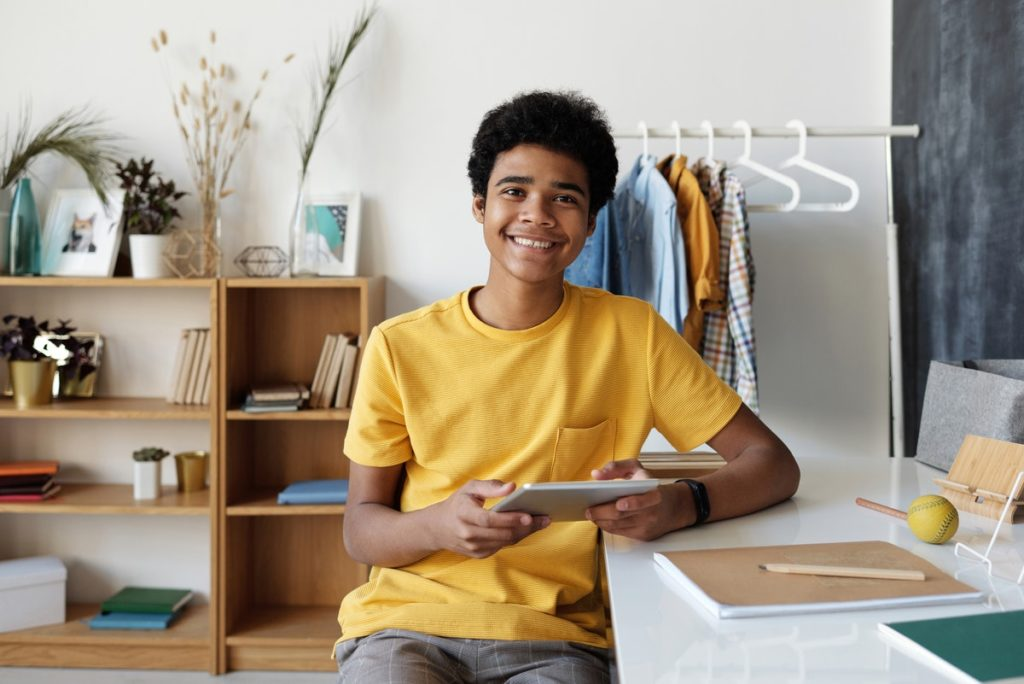 teen using a tablet